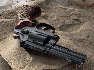 обои Черный револьвер фото