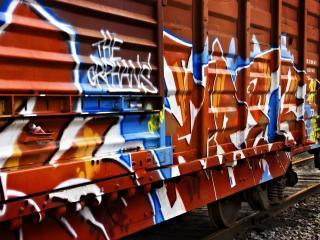 обои Разрисованный поезд фото