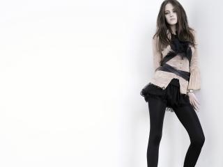 обои Стиль Casual. Черное мини-платье,   блуза и леггинсы фото