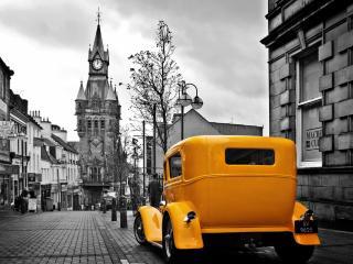обои Жёлтый форд ,   чёрно-белый фон фото