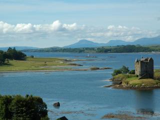 обои Замок на острове в реке фото