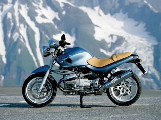 обои Мотоцикл БМВ на фоне снежных гор фото