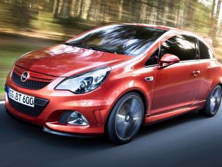 обои Красный Opel-Corsa на трассе фото