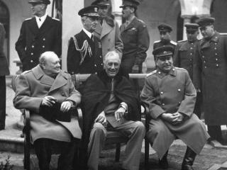 обои Историческая встреча Сталин,   Черчилль,   Рузвельт фото