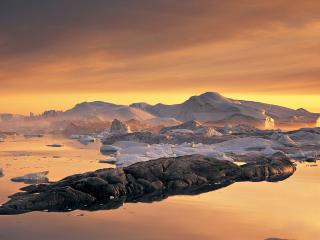 обои Снежные глыбы в озере,   на закате фото