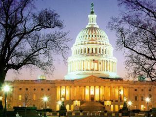 обои Капитолий вечером освещен огнями фото