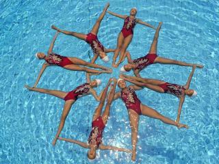 обои Синхронное плавание,   фигура на воде фото