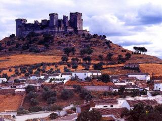 обои Замок Альмодовар в Испании фото