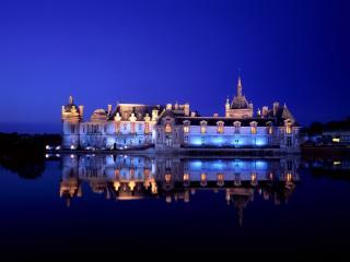 обои Замок Шантийи во Франции фото