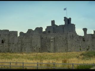 обои Развалины старинной крепости фото