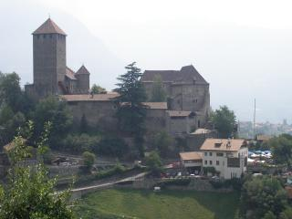 обои Замок Тироль в Австрии фото