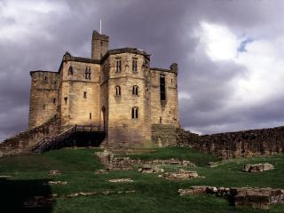 обои Замок Варкворт в Англии фото