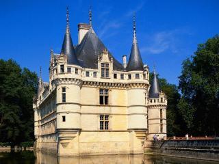 обои Замок Азэ-лё-Ридо во Франции фото