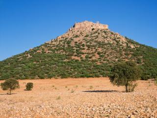 обои Замок-монастырь Кастильо-де-Калатрава в Испании фото