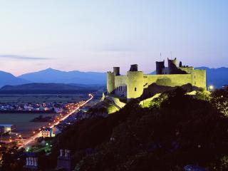 обои Замок Харлеч в Уэльсе фото