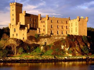 обои Замок Данвеган,   остров Скай,   Шотландия фото