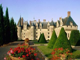 обои Замок Ланже во Франции фото