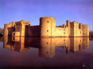 обои Замок Бодиам на закате фото