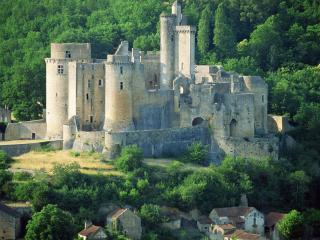 обои Замок Бонагуил Лот во Франции фото
