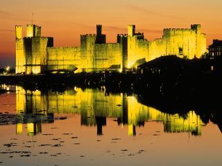 обои Замок Кэрнарфон,   Уэльс,   Великобритания фото