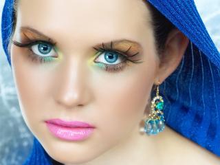 обои Макияж лица - Разноцветные тени и нежно-розовая помада фото