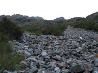 обои Каменная дорога в горы фото