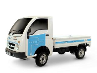 обои Tata Ace EV Tipper UK-spec боком фото