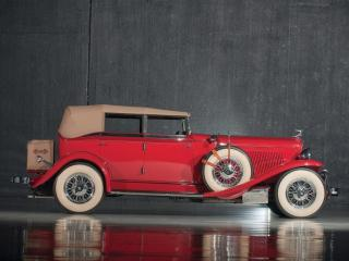 обои Auburn Custom Twelve Phaeton Sedan сбоку фото