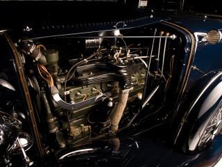 обои Auburn Twelve Convertible Sedan двигатель фото