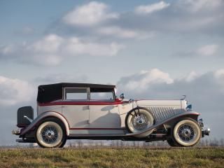 обои Auburn Twelve Convertible Sedan сбоку фото