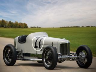обои Miller V16 Race Car у поля фото