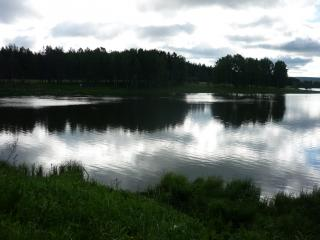 обои Спокойное озеро к вечеру фото