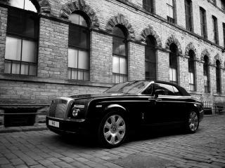 обои Project Kahn Rolls-Royce Phantom Drophead Coupe у дома фото
