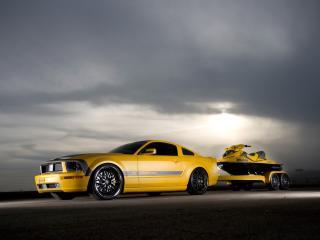 обои Parotech Cesam Mustang сбоку фото