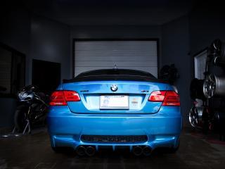 обои IND BMW M3 Coupe (E92) 2011 гараж фото