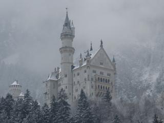 обои Заснеженный таинственный замок фото