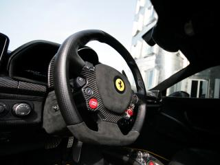 обои Anderson Germany Ferrari 458 Italia Black Carbon Edition руль фото