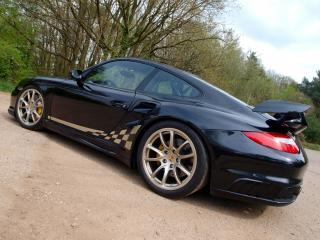 обои Kubatech Porsche 911 GT2 (997) бок фото