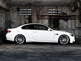 обои Active Autowerke BMW M3 Coupe (E92) белый бок фото