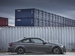 обои Active Autowerke BMW M3 Coupe (E92) у контейнеров фото
