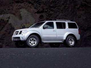 обои Arctic Trucks Nissan Pathfinder (R51) серебристый фото