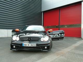 обои Kunzmann Mercedes-Benz CLK-Klasse (C209) у ворот фото