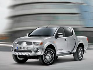 обои Walkinshaw Performance Mitsubishi L200 Double Cab боком фото