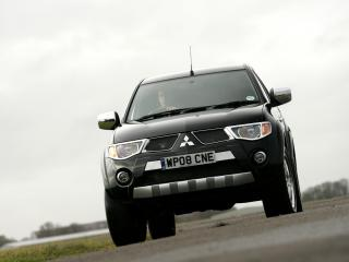 обои Walkinshaw Performance Mitsubishi L200 Double Cab передок фото