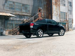 обои TRD Toyota Tundra Sport Edition черный фото
