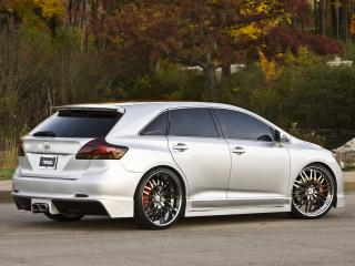 обои TRD Toyota Venza Sportlux Street Image Concept серебренная фото