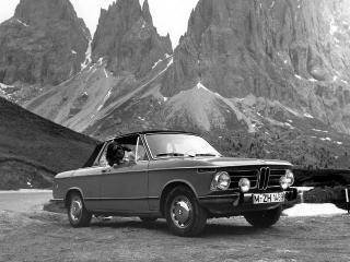 обои BMW 2002 Cabriolet by Baur (E10) горы фото