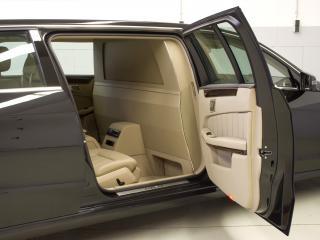 обои Binz Mercedes-Benz E-Klasse Limousine (L212) открыта дверь фото