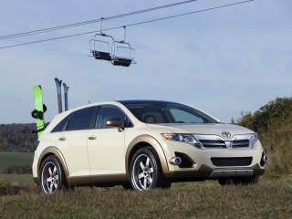 обои Five Axis Toyota Venza AS V трава фото