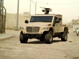 обои International MXT-MVA Double Cab боевой фото